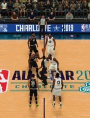 易建联正式亮相NBA湖人队