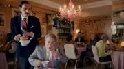 vimeo超荒誕的喜劇廣告《對不起|尹国驹 何鸿燊,幫不上忙》