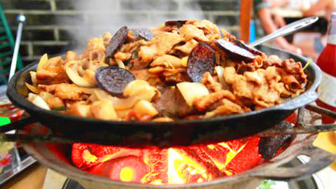 铁板火盆一锅端,吃它得当心!吉林8长白山